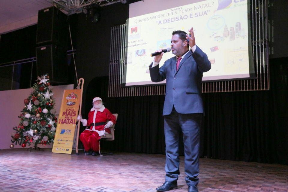 e4e1018ef1 Márcio Magalhães - Palestras e Treinamentos - Blog - Fotos - CDL Blumenau  Lançamento Campanha Natal 2018. Palestra A decisão É Sua.